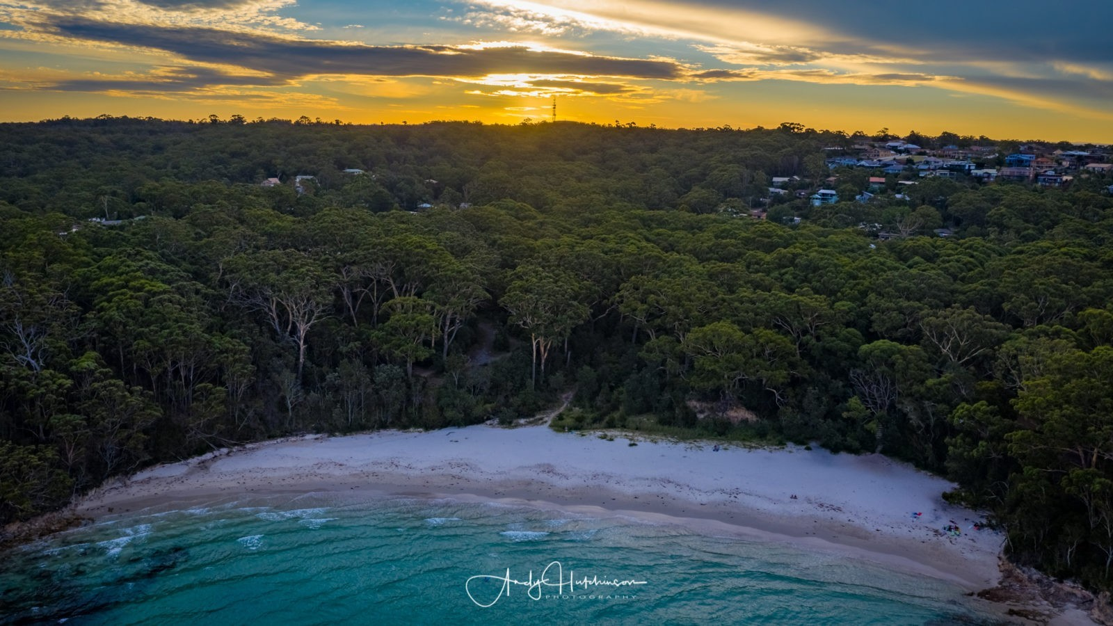 It was a lot quieter at Blenheim, just one couple enjoying the sunset on chairs with a glass of wine and a large group of foreign backpackers getting pissed and playing a guitar badly at the northern end of the beach. So I put the drone in the air, to see if there was any sky colour. It looked promising but the wind was really picking up by this point.
