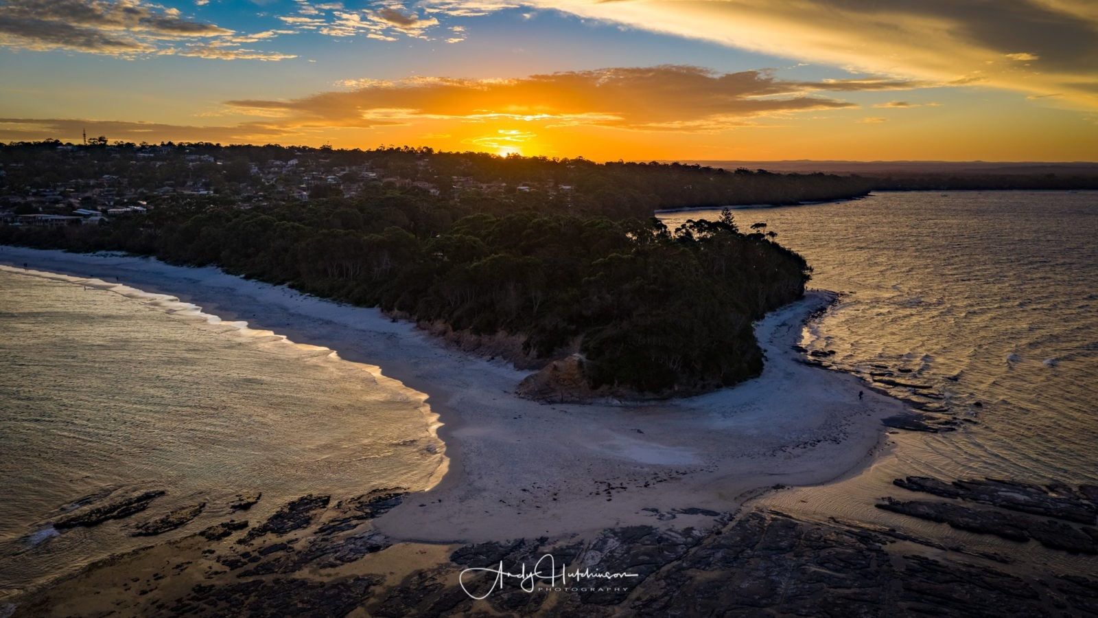 Seems to me that the tourist season in Jervis Bay is getting longer as the years go by. Five years ago I'd have had this place entirely to myself on a weekday at the end of February, but there were plenty of people about.